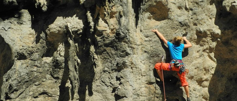 Großer Klettersport in der Halle und am Fels mit der Alpinschule Rock 'n Roll